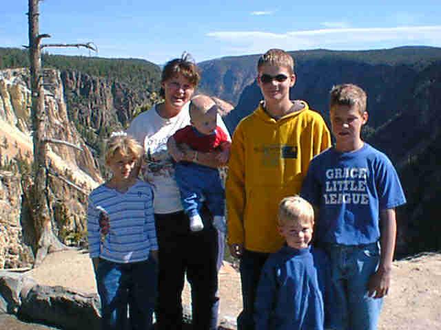 yellowstone-2001-family-4